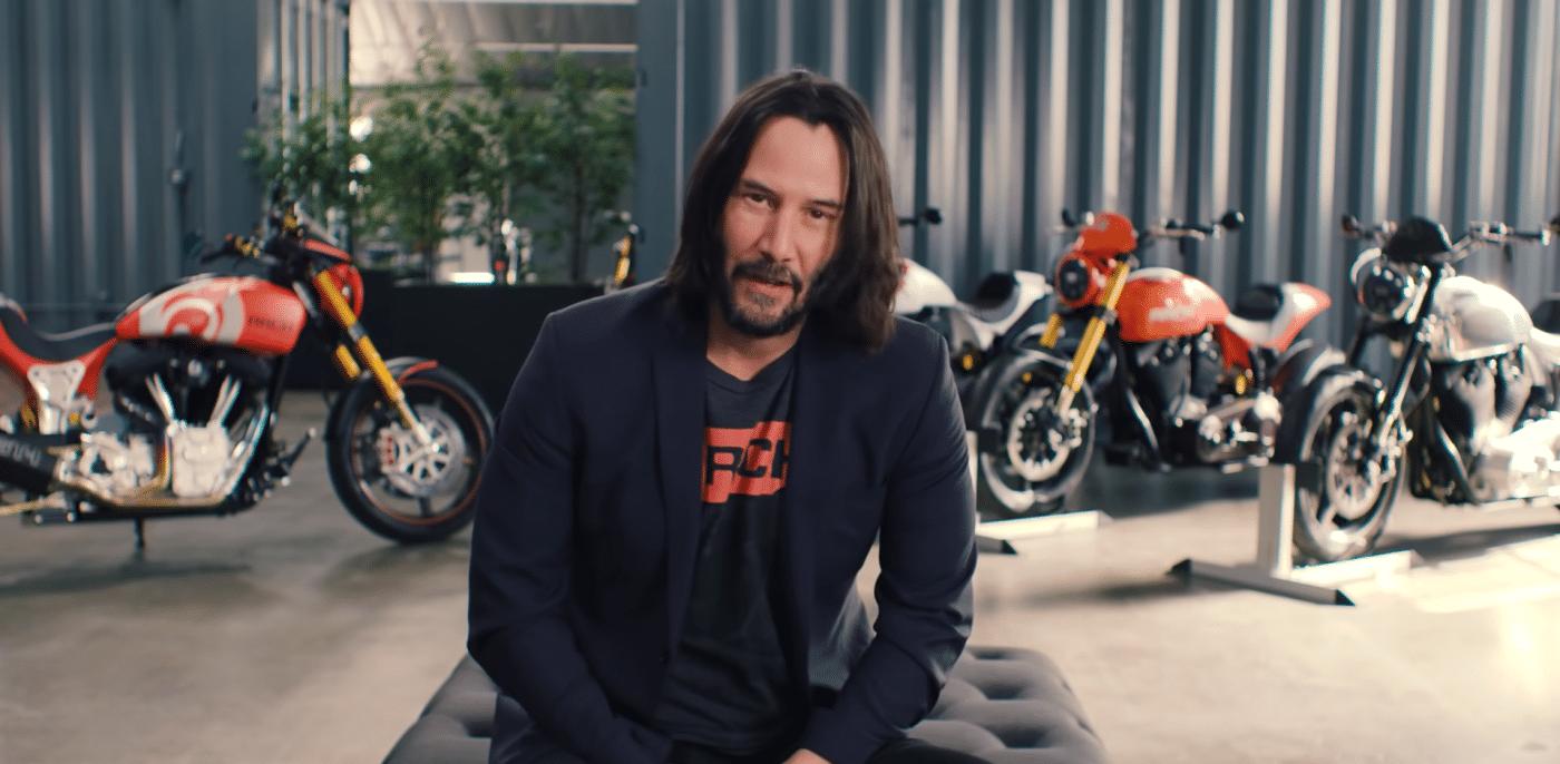 VIDEO: Keanu Reeves showt zijn collectie motoren