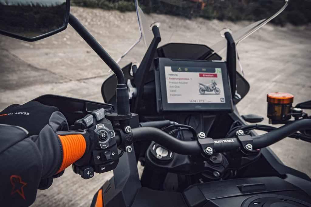 2021 KTM 1290 Super Adventure S TFT scherm
