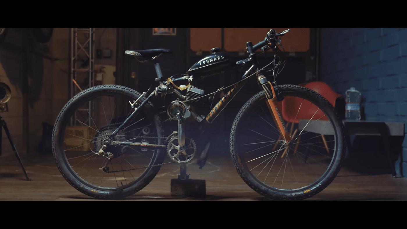 VIDEO: Fuck elektrisch, bouw een motor in je fiets