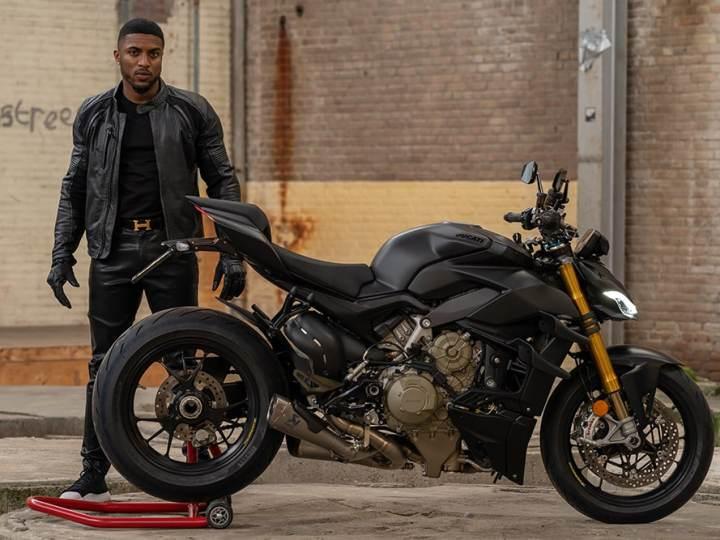 Rapper Poke en zijn Ducati Streetfighter