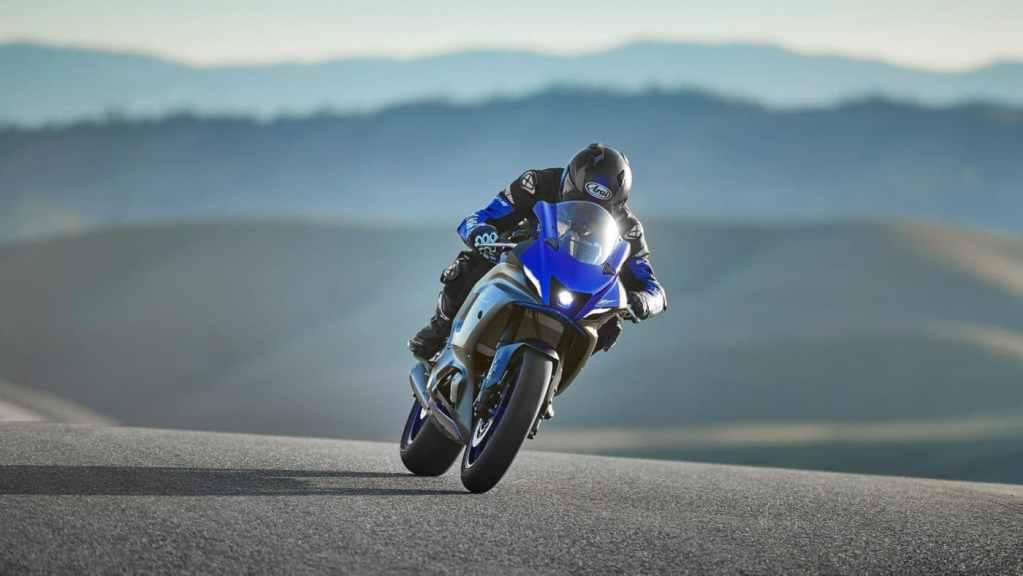 Volgas met de Yamaha R7 in 2022