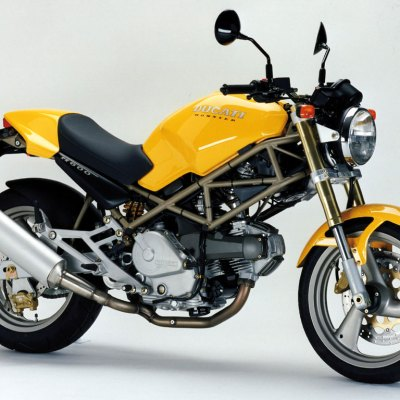 Een goedkope motor: de Ducati M600